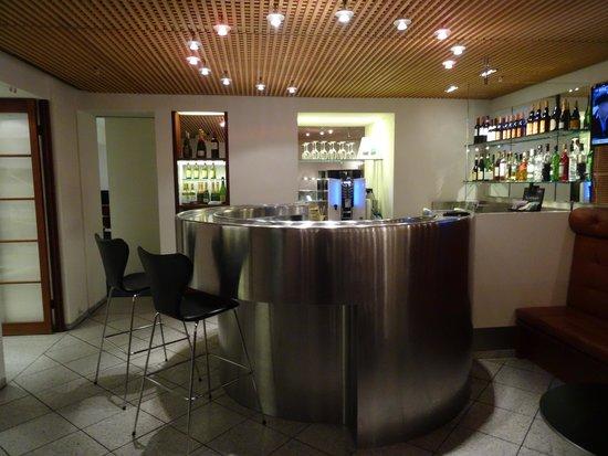 Best Western Plus Hotel City Copenhagen: Bar area off lobby