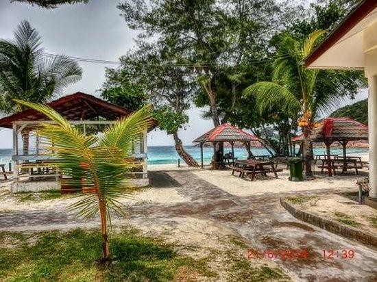 Redang Beach Resort: Beach view from the resort