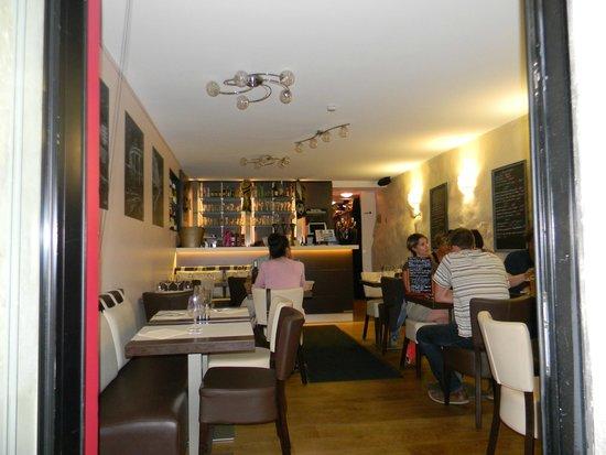 Aux Tours De La Perot (Maître Restaurateur) : intérieur restaurant