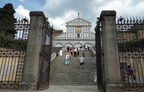 Basilica San Miniato al Monte: man muss schon hoch hinauf! ;-)