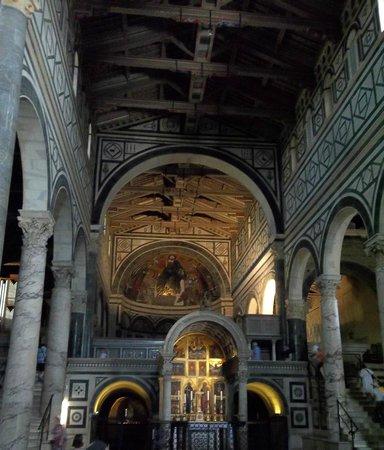 Basilica San Miniato al Monte: Blick in die Kirche