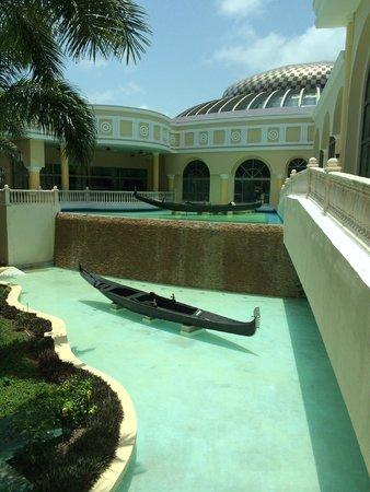 Iberostar Grand Hotel Paraiso: Esterno ristorante Venecia