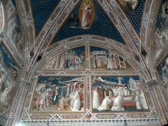 Basilica San Miniato al Monte: Wand- und Deckenmalerei in Perfektion