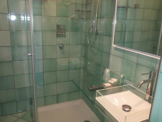 Ganimede Hotel: bagno