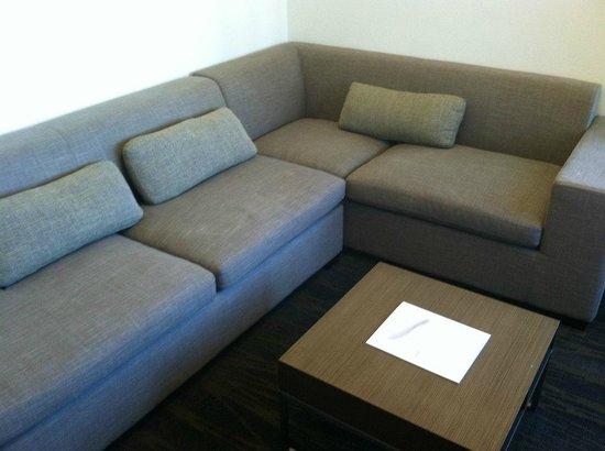 Element Omaha Midtown Crossing: Living room