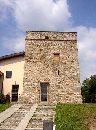 Torre di Camisasca