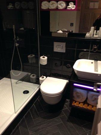Hotel Indigo London Kensington: Bagno