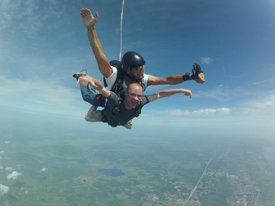 Skydive Space Center : Skydive 18000ft