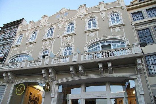 Moov Hotel Porto Centro: beautiful edifice