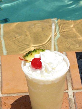 Best Western Aku Tiki Inn: Aku-latta.... Yummy (virgin or with alcohol)!
