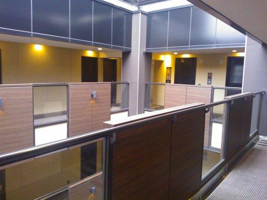 APA Hotel Ningyocho Eki Kita: hotel corridor