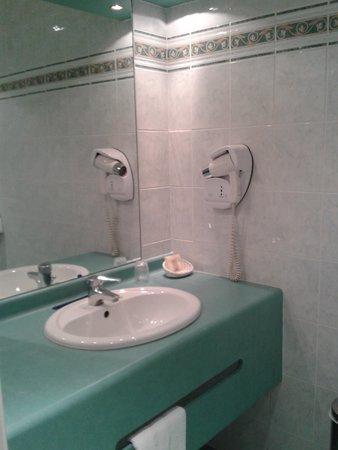 لا بولي دا أور: salle d eau