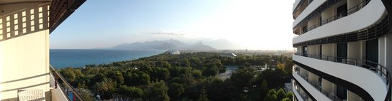Rixos Downtown Antalya : Veduta dalla camera da letto