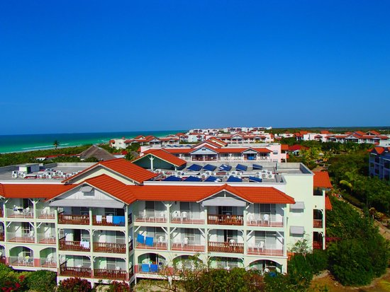 Memories Paraiso Beach Resort: View from the tower in the market overlooking the resort!