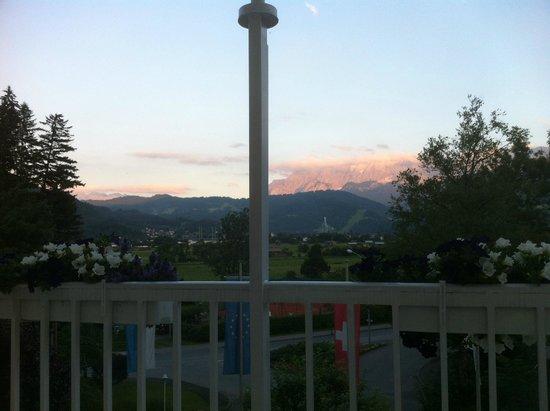 Grand Hotel Sonnenbichl : An evening on the terrace