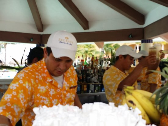 Secrets Capri Riviera Cancun: Love Brisco!