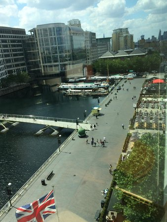 London Marriott Hotel West India Quay : VISTA DE LA HABITACION