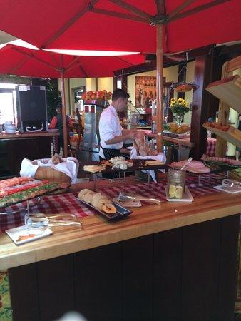 Four Seasons Hotel Westlake Village: Farmer's Market brunch