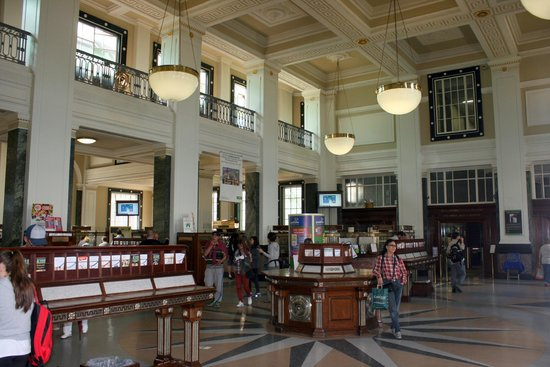 GPO & GPO Witness History Visitor Centre: The main business hall of the Dublin GPO