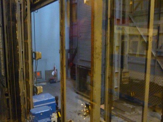 Alter Elbtunnel: Шахта лифта