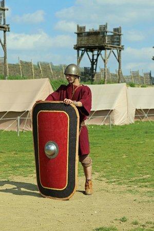 MuseoParc Alesia: Szenische Darstellung und römische Belagungsanlage