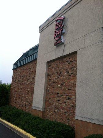 Red Roof Inn & Suites DeKalb: sign