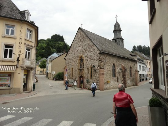 Altstadt Vianden. : Old church in Vianden