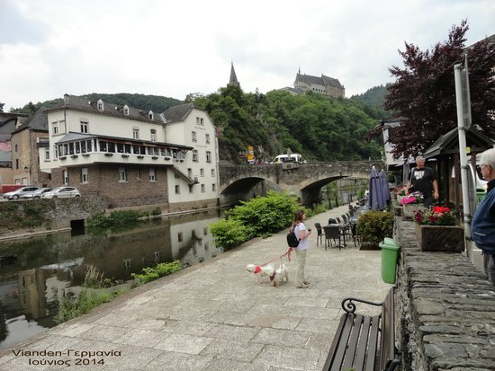 Altstadt Vianden. : The beautiful river, the castle, the reflections and the cafes