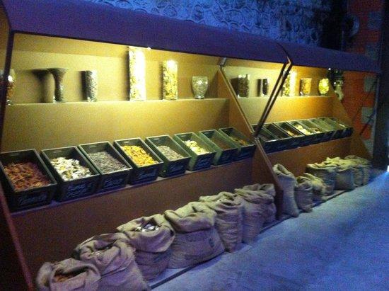 Caves Byrrh : Les épices
