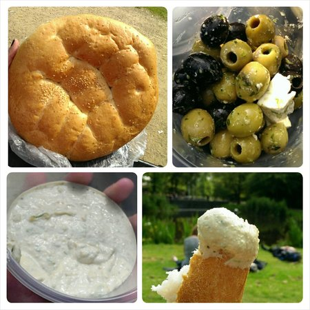 Albert Cuyp Market : olives with feta cheese, hummus, and bread