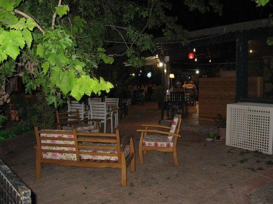 Corner Restaurant & Pub: interior