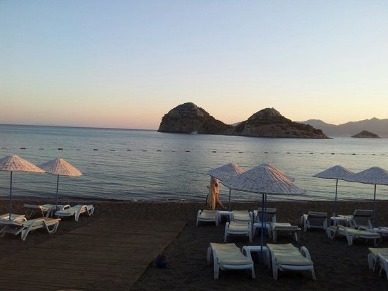 Perili Bay Resort Hotel : Süper Deniz