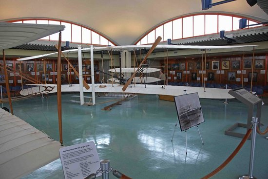 Wright Brothers National Memorial: Visitor Centre with full size copy of the aircraft