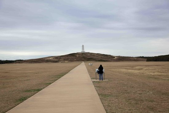 Wright Brothers National Memorial: Guide boards mark every point of their achievement