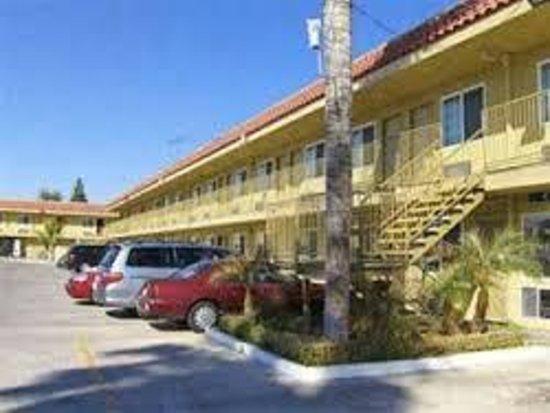 Sands Motel: sands