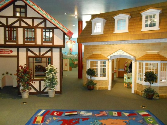 Elizabeth Stewart Treehouse Museum Picture Of Ogden