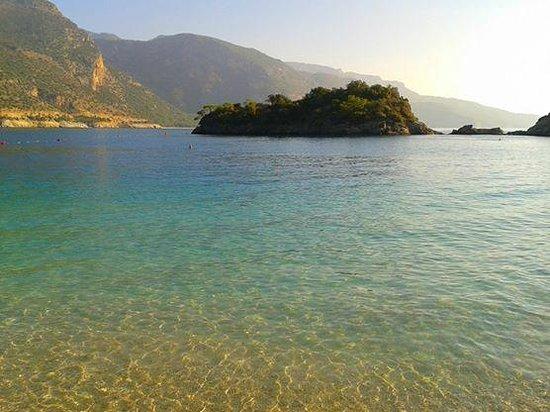 Plage d'Oludeniz (Lagon bleu) : Água limpinha