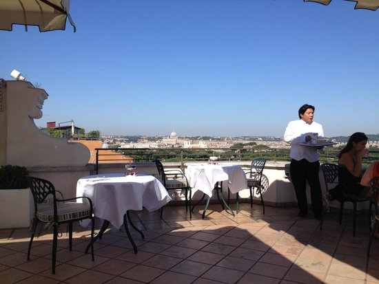 Rome Marriott Grand Hotel Flora : Rooftop breakfast.  The best view of Rome