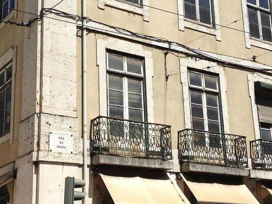 Lisbon Explorer Private Tours : Paolo's hidden historical gems