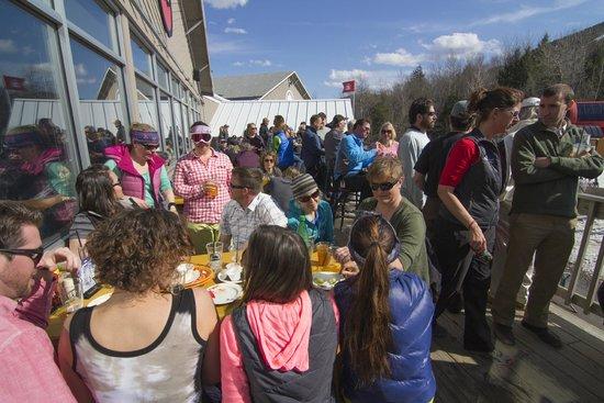 Sunday River Ski Resort: Foggy Goggle deck