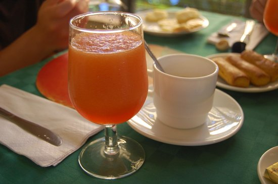 Hostal Omar Esquerra: A different, freshly squeezed juice to every meal