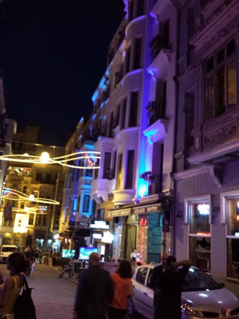 Grand Hotel Palmiye: Imam Adnan Sok