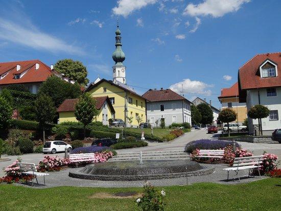 Kneipp-Traditionshaus Aspach: Blick Richtung Marktplatz und Pfarrkirche
