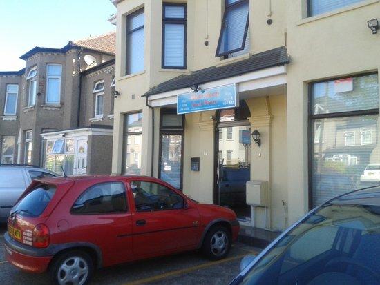 Aberdeen Guest House: street view