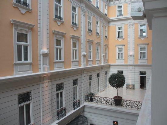 Corinthia Hotel Budapest : vue sur les chambres
