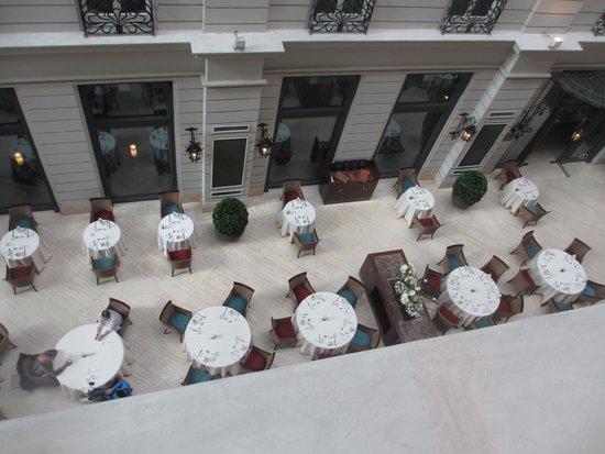 Corinthia Hotel Budapest : salle du petit dejeuner