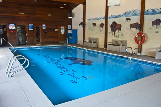 Painted Buffalo Inn: Our Heated Indoor Pool
