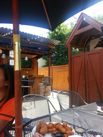 T.F. Noonan's: Patio out back