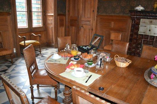 Chateau de Ternay: Salle où l'on a pris le petit déjeuner