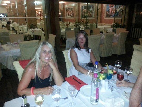 Atrium Palace Thalasso Spa Resort & Villas : Dining